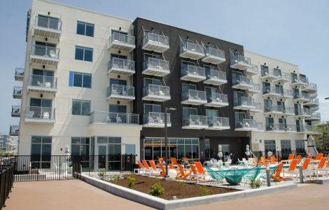 Aloft-OC-offers-44-bay-facing-rooms
